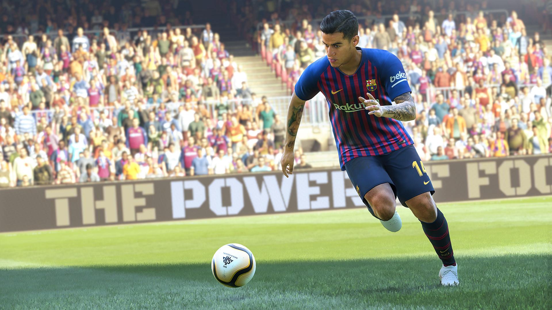 Pro Evolution Soccer c'est un spin-off de la série internationale Superstar Football de Konami. Chaque année, le jeu est sorti vers la fin septembre et début octobre avec deux titres différents: World Soccer: Winning Eleven au Japon et en Asie, et Pro Evolution Soccer en Europe, en Amérique du Nord et en Asie (Indonésie seulement).